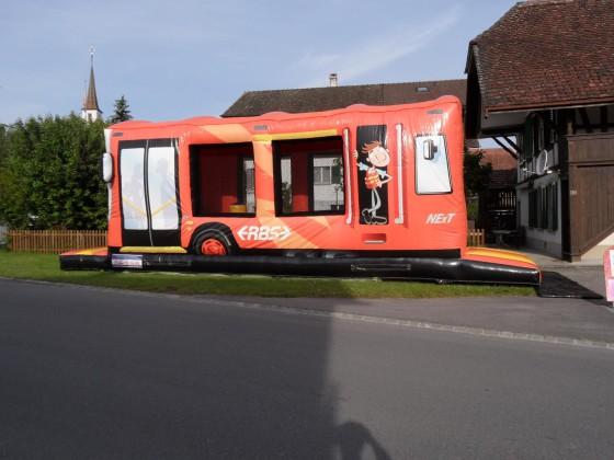 Hüpfburg BusZug mieten