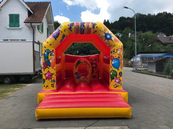 Hüpfburg Party Vermietung